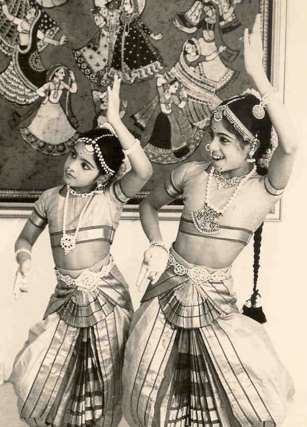 Jaya Mani's first Arangetram students Jyothirmayi and Madhavi Nunna, 1975.