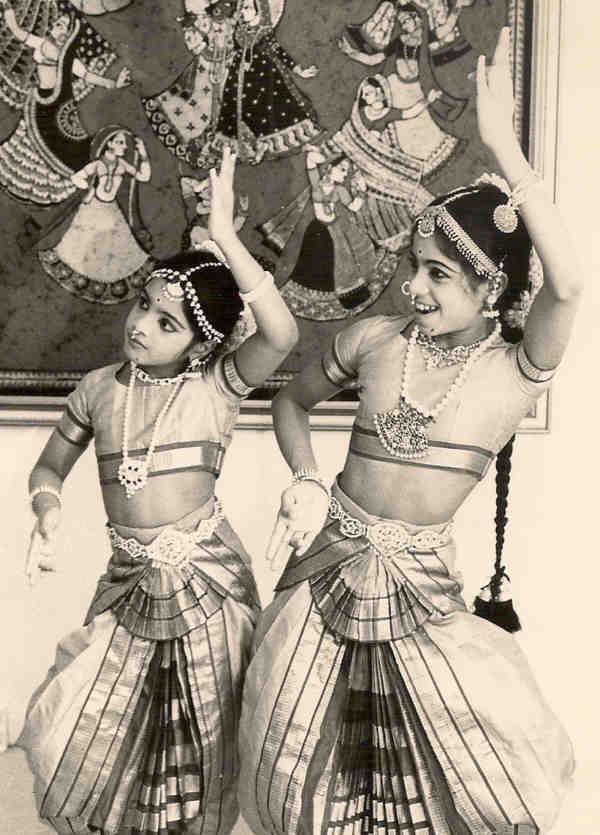 Jaya Mani's first Arangetram students Jyothirmayi and Madhavi Nunna, 1975.