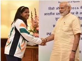 Sakshi malik received by Prime Minister Narendra Modi in New Delhi after her return with the Olympic Medal.